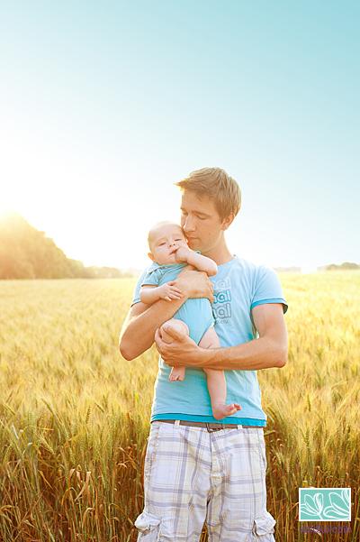 детская фотосессия, семейная фотосессия в поле