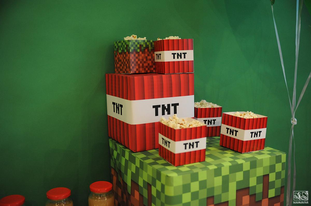 Картинка с днем рождения в стиле майнкрафт, днем рождения анатолий